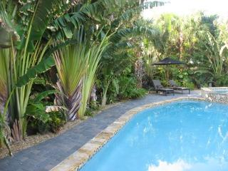 Private heated swimming pool w spa and waterfall, Riviera Beach