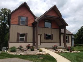Copper Tree Lodge-4 Bdr Home in Branson Canyon!!, Hollister