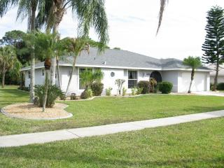 Lg Exec 4 BR/2Bath Lg Htd Pool, Private Cul-de-Sac, North Fort Myers