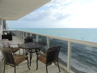 Luxury Oceanfront Condo for a Dream Vacation, Hallandale