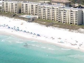Beach House*Huge Beachfront, Amenities, Shopping, Miramar Beach