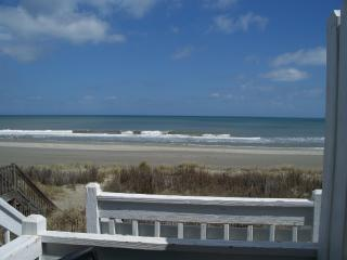 Almost Heaven OCEANFRONT B 2bd/2ba Free WIFI