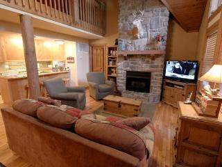 4 bedroom, 4 bath lodge at StoneBridge Resort, Branson