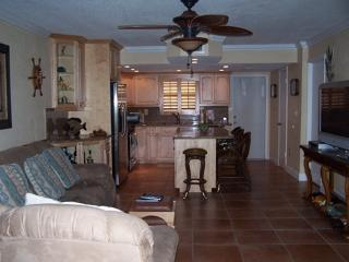 Part of L  ivingroom & Kitchen