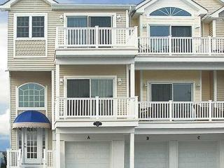Ocean Haven Townhouse 50 Feet From The Beach, North Wildwood