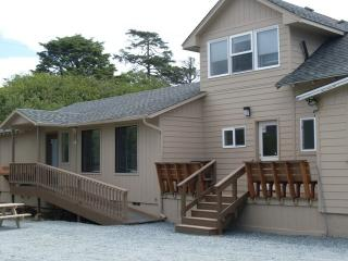 Sea Haven's Guest House - 6 Bedrooms - Sleeps 16!, Rockaway Beach
