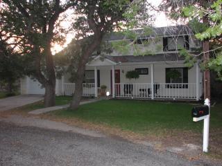 Contrary Creek Cottage, Granbury