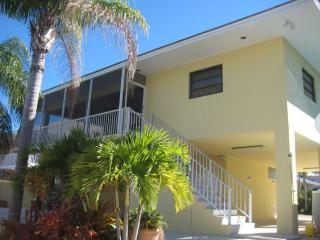Oceanside 4 bedrm Canal & Pool home Key Largo