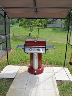 grill & gazebo