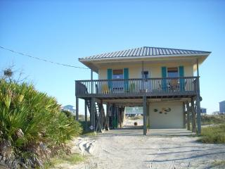 """ISLAND DREAM""  Beach home      3Br / 2 Bath, Fort Morgan"
