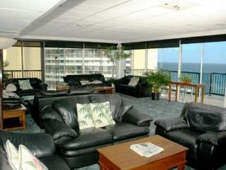 1 WEEK CHRISTMAS -WAIKIKI BEACH CONDO-5* LOCATION- USE OF PENTHOUSE LOUNGE