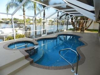 Key Largo - Gulf Acc Home Pool Spa, Cape Coral