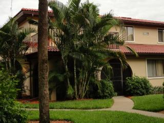 Cozy townhome in beautiful gated community, Bonita Springs