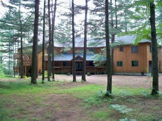Otter Creek Lodge Large Family Rental, Brantingham