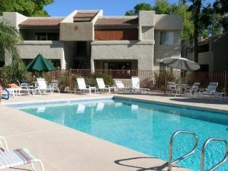 2Bedroom Condo Overlooking Park in Paradise Valley, Phoenix