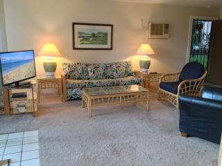 Specials! $150nt, Condo on Sugar Beach, Pool, AC, Kihei