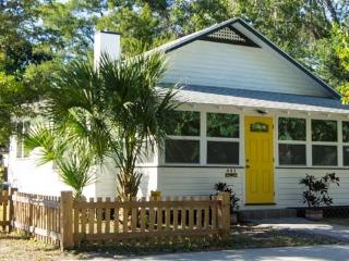 Delightful Downtown Sarasota cottage