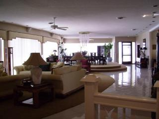 Penthouse 3 bed 3.5 baths, Ormond Beach