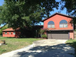 Beautiful 4 Bd Pool Home!, New Port Richey