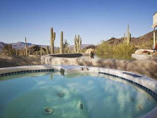 Cave Creek Beauty - Minutes from Scottsdale - Home with great views