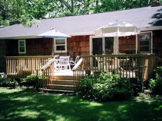 Hamptons Summer Cottage - 1-week minimum
