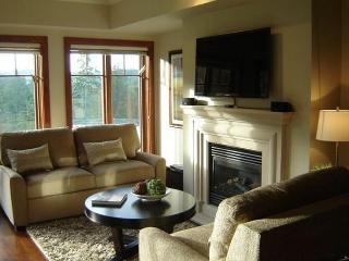 Beautiful Bear Mountain 2 Bedroom Condo, Victoria