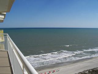 BAY WATCH Condo - GREAT Views - SAVE 7/30 - 8/6 !!, Noord Myrtle Beach