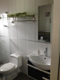 Bathroom - excellent condition
