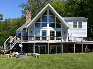 Lake Access Chalet-W/Slip and Fire Pit, Swanton