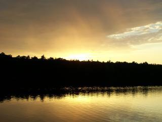 Muskegon Area Cottage, Lake Access, Cozy Retreat!, Twin Lake