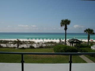 1st Floor oceanside on the beach! 2BR 2BATH., Destin
