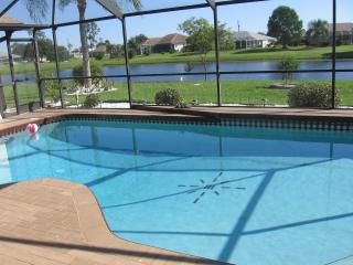 Exclusiv newly established Villa at the Lakefront, Punta Gorda