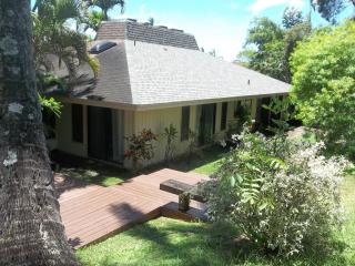 SECLUDED FAMILY FRIENDLY HOME, Princeville