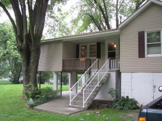Hinton WV  2 bedroom cabin on Greenbrier River