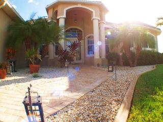 Villa Sandy Cay - Gem in SW Cape, Cape Coral