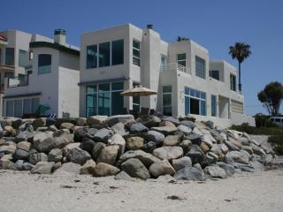 Stunning 3BR Private Beachfront Home-Immaculate, Oceanside