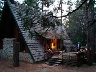 Cozy Creekside Cabin in the Woods, Idyllwild