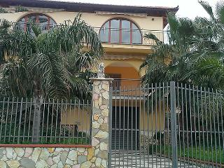 Helios casa vacanza appartamento per 5 persone, Alcamo