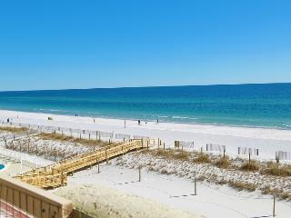 Spacious 3BR Gulf Front Condo Directly On Beach, Gulf Shores