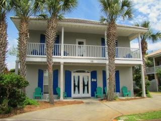 Emerald Breeze*5BR/3BA*Sleeps12*Walk to the Beach, Destin