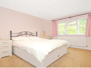 Bedroom-Luxury house, London Suburb