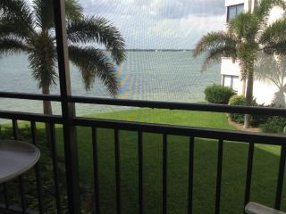 Isla del Sol Golf & Country Club on Boca Ciega Bay, San Petersburgo