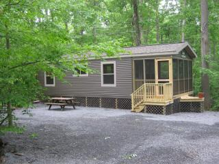 2 Bedroom Cottage in Lake In Wood Resort