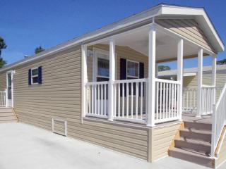 1 Bedroom Cottage in Naples RV Resort