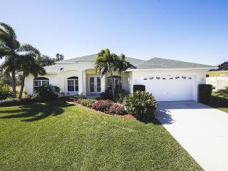 Waterfront residence Villa Cortina, Cape Coral