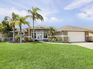 Holiday Villa Timeless Spell in Cape Coral