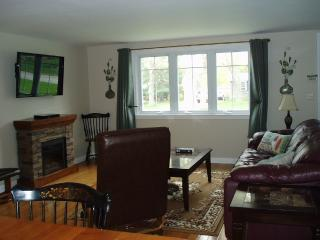 Great Get Away With Great Location, West Yarmouth