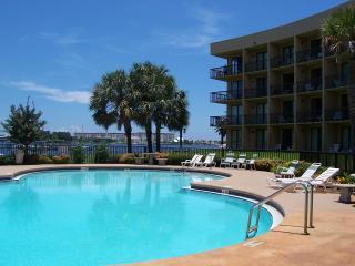 Low Rental Rates Beautiful Condo!, Fort Walton Beach