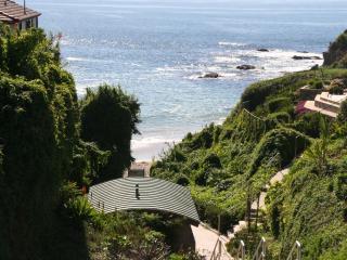 Stunning 3200 Sq Ft Luxury Home Build in 2013 , Just 6 min Walk To Beach, Laguna Beach