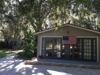 Braden River Bayou Studio & CottageSarasota/Bradenton FL